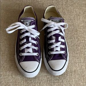 Converse All Star's. Woman's Size 7 (Men's Size 5)